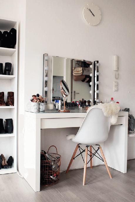 14. Penteadeira com cadeira branca – Via: Pinterest