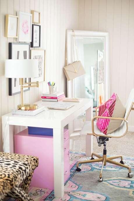 7. Cadeira para escrivaninha e penteadeira com rodinhas – Via: Pinterest
