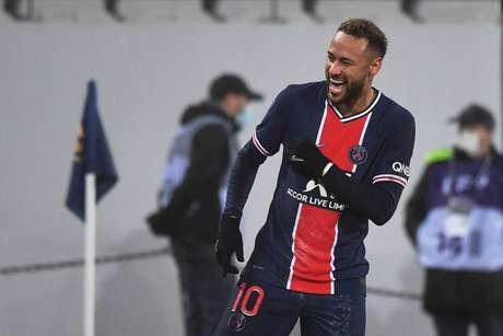 Neymar é a esperança de títulos do PSG (Foto: DENIS CHARLET / AFP)