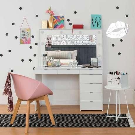 50. Decore o quarto infantil com a linda penteadeira – Via: Pinterest