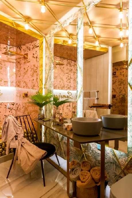40. Avalie a torneira ideal para a sua cuba de apoio para banheiro. Fonte: Deca – Banõ Esencia – Kelly Leite