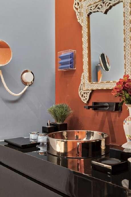 24. Modelo de cuba de apoio para banheiro com design ousado. Fonte: Deca – CasaCor São Paulo 2018 – Michel Safatle