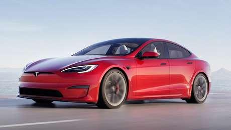Com alcance de até 840 km, o Tesla Model S pode realizar o trajeto Rio-São Paulo (ida e volta) sem preocupações.