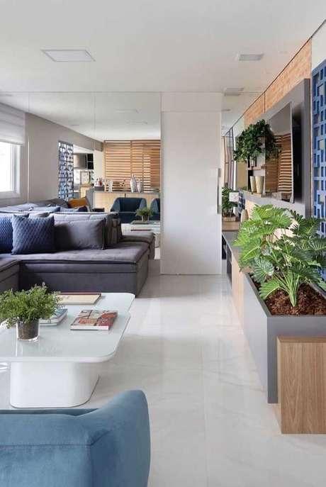 4. Piso branco na sala de estar moderna – Via: Pinterest