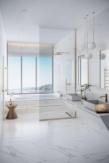 45. Piso branco para banheiro – Via: Pinterest