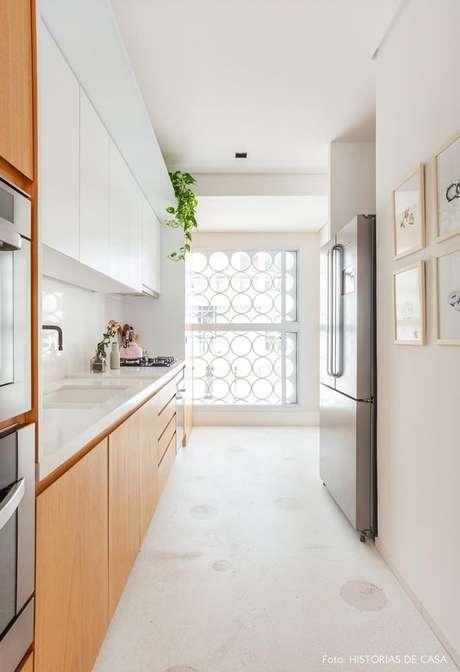 32. Piso na cozinha moderna – Via: Histórias de casa