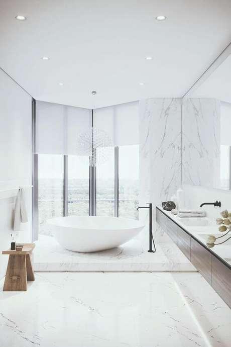 37. Piso branco para banheiro iluminado – Via: Behance