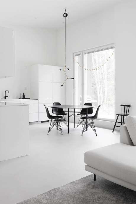 13. Piso branco liso na cozinha minimalista – Via: Design Wash