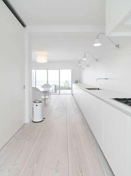 54. Piso vinílico branco na cozinha – Via: Blog Lovin