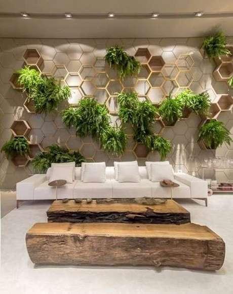 59. Jardim de inverno com hexagonos na sala – Via: Pinterest