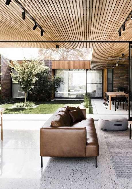 29. Jardim de inverno na sala de estar aberta – Via: Pinterest