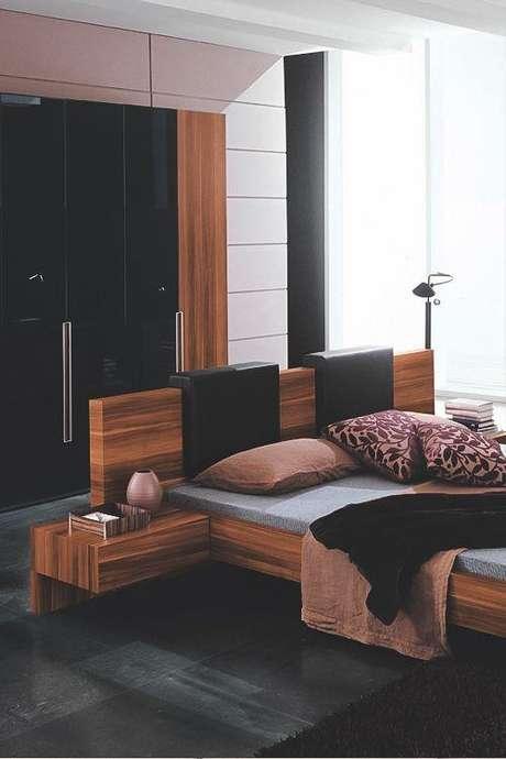 55. Quarto com cama de madeira – Via: Pinterest