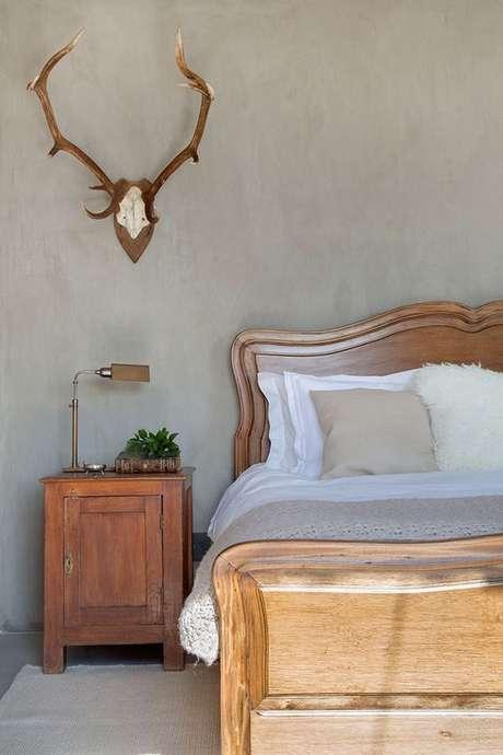 22. Quarto com cama de madeira clássica – Via: Casa de Valentina