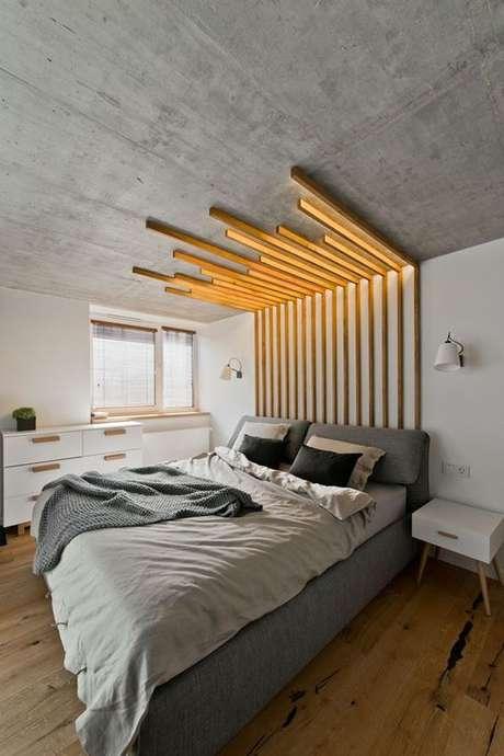 16. Cabeceira de madeira feita de ripas – Via: Casa Vogue