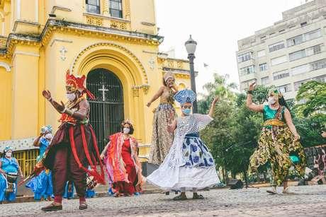 O cortejo doIlú Obá de Min foi gravadono Largo do Paissandu, tradicional espaço do Carnaval de rua de São Paulo