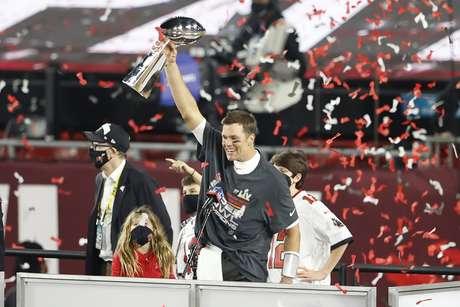 Tom Brady foi eleito o melhor jogador do Super Bowl pela quinta vez na carreira