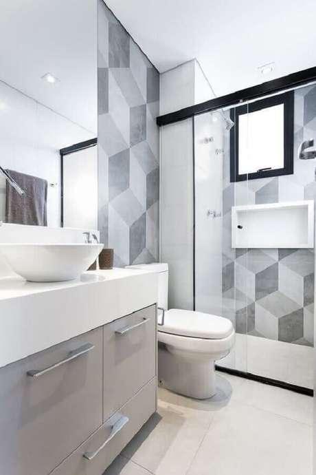 57. Bancada branca com revestimento de parede geométrico – Via: Revista VD