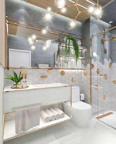 27. Banheiro branco com decoração – Via: Pinterest