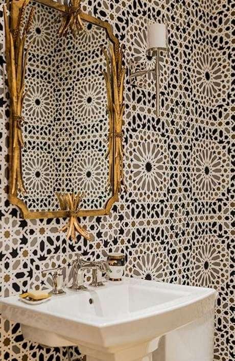 30. Banheiro com revestimento azul – Via: Fireclaytile