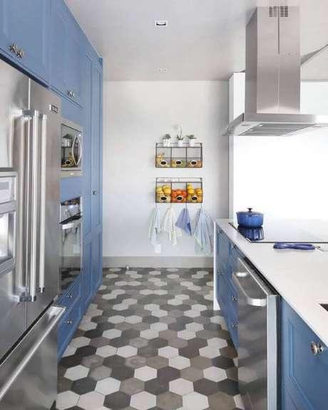 39. Cozinha com decoração azul planejada – Via: GF Projetos