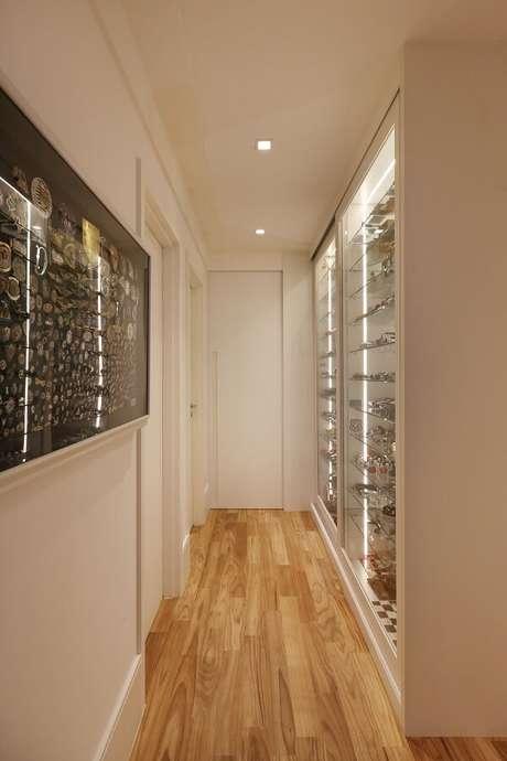 40. Modelo de luminária para corredor interno em formato quadrado. Projeto por Anna Paula Moraes