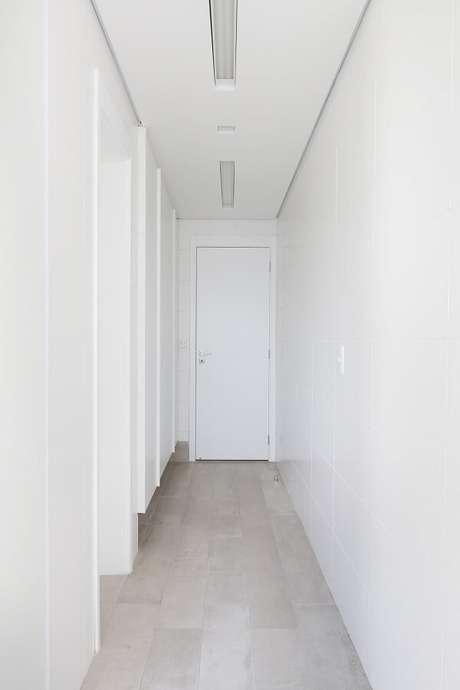 41. Modelo de luminária para corredor interno. Projeto por Karen Pisacane