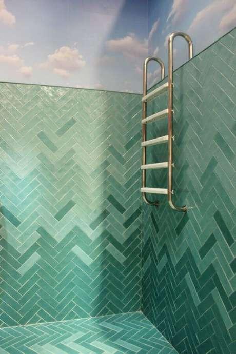 10. Banheiro com revestimento em tons de verde – Via: Pinterest