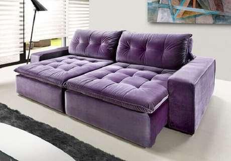 26. Modelo de sofá retrátil roxo com dois lugares. Fonte Pinterest