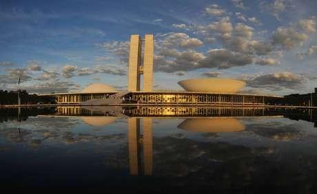 O prédio do Congresso Nacional, em Brasília, entre a Esplanada dos Ministérios e a Praça dos Três Poderes