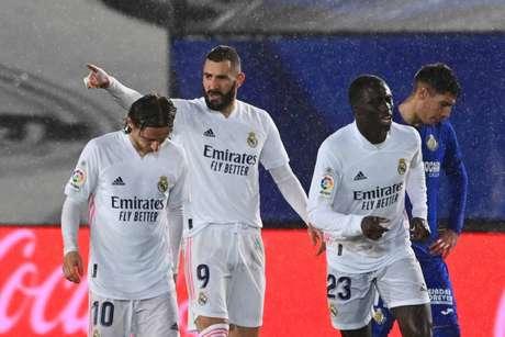 Benzema fez gol com assistência de Vinícius Júnior (Foto: GABRIEL BOUYS / AFP)
