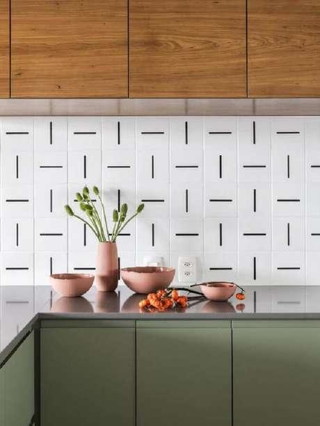 5. É possível encontrar uma grande variedade de modelos de revestimento de parede branco para personalizar sua decoração – Foto: Pinterest