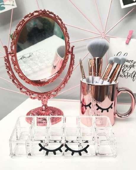 37. Espelho de mesa vintage em tom rose gold. Fonte: Pinterest