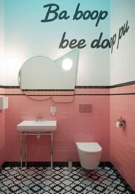 34. Espelho vintage para banheiro é puro charme. Fonte: Pinterest