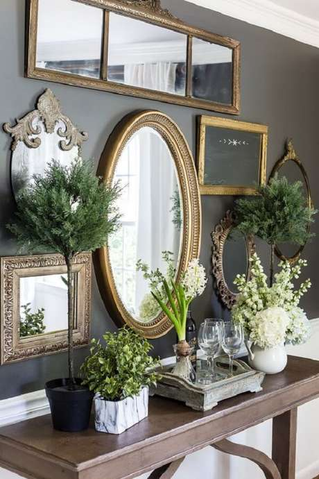 2. O espelho vintage é ótima para enfeitar qualquer tipo de ambiente da casa. Fonte: Pinterest