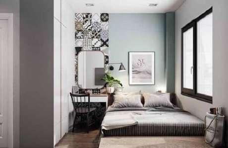 15. O espelho vintage facilita as etapas de embelezamento no quarto. Fonte: Pinterest