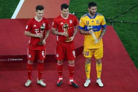 Lewandowski, Gignac e Kimmich foram os melhores do Mundial de Clubes (Foto: KARIM JAAFAR / AFP)