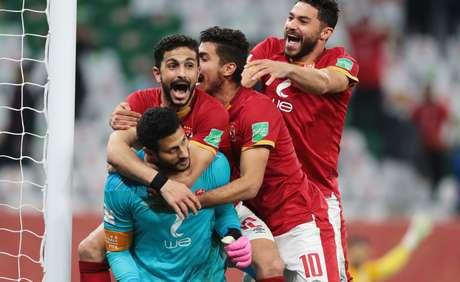 Jogadores do Al Ahly comemoram terceiro lugar no Mundial