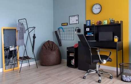 13. Dormitórios com escritório incorporado são tendências para quartos 2021. Fonte: Pinterest