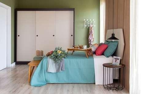 5. Tendências para quartos em 2021: cores de tinta ou papel de parede podem trazer um toque especial para o dormitório. Fonte: Pinterest