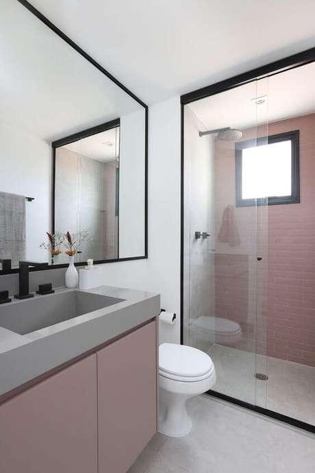 28. Banheiro rosa e cinza – Via: Casa Vogue
