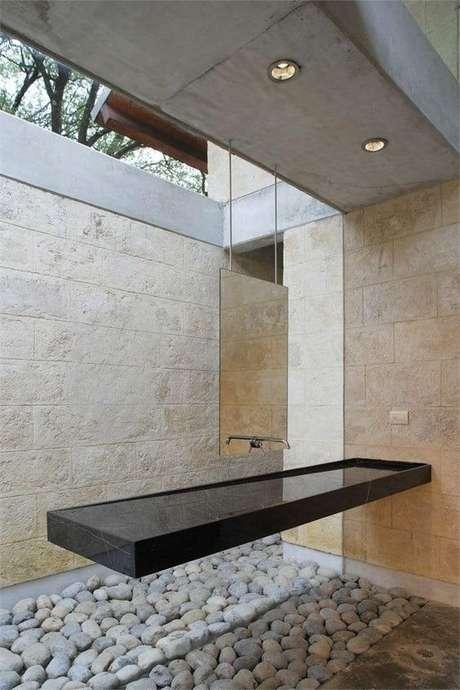 42. Banheiro moderno com cuba preta – Via: Casoca