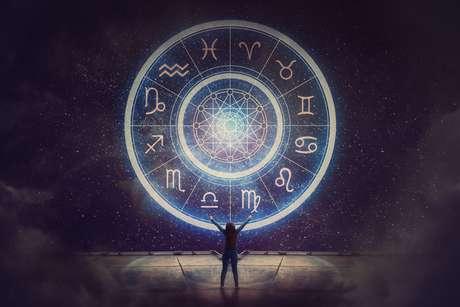 Uma lunação com tanta ênfase em Aquário convida a mudanças e novas direções na vida