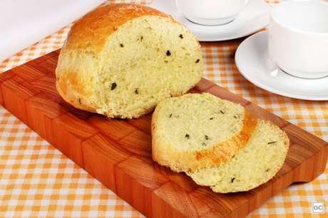 Guia da Cozinha - Pão de ervas e iogurte para um café da manhã saudável