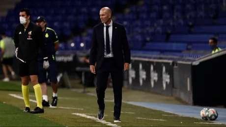 Zidane já pensa em possíveis substitutos para Sergio Ramos (Foto: Divulgação/Real Madrid)