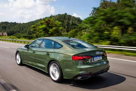 Audi A5 Sportback é mais ousado no design, graças à carroceria cupê de quatro portas.