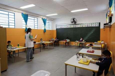 A cidade de São Paulo deu início às aulas presenciais do ensino municipal na manhã desta segunda-feira, 15 de fevereiro.