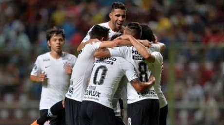 Equipe colecionou derrotas para o Corinthians em 2018 e Cruzeiro em 2019. Confrontos ocorreram na fase de grupos (AFP)