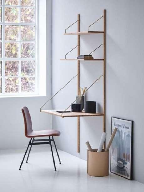 38. Escrivaninha de madeira com design minimalista. Fonte: Apartment Therapy