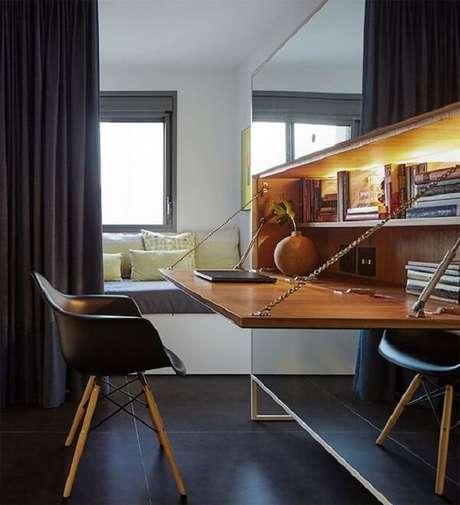 7. Escrivaninha de madeira para quarto pequena e funcional. Fonte: Casa de Valentina