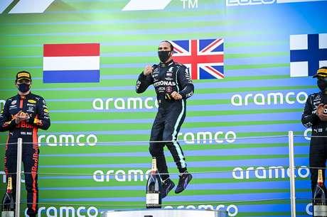 Lewis Hamilton é o maior campeão da história